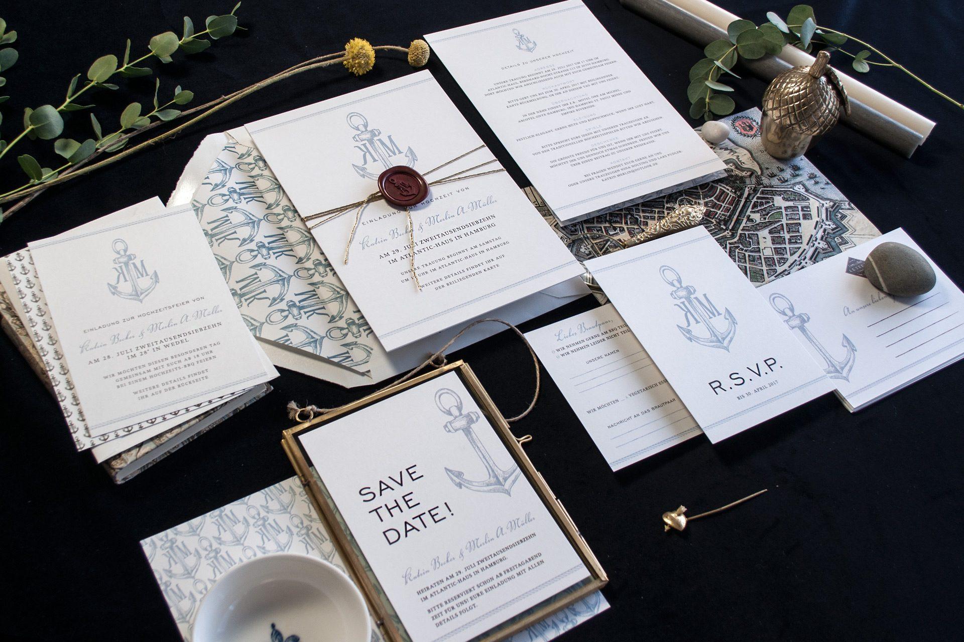 Set der Hochzeitspapeterie mit Wachsiegel mit Monogramm und vielen Zusatzkarten.