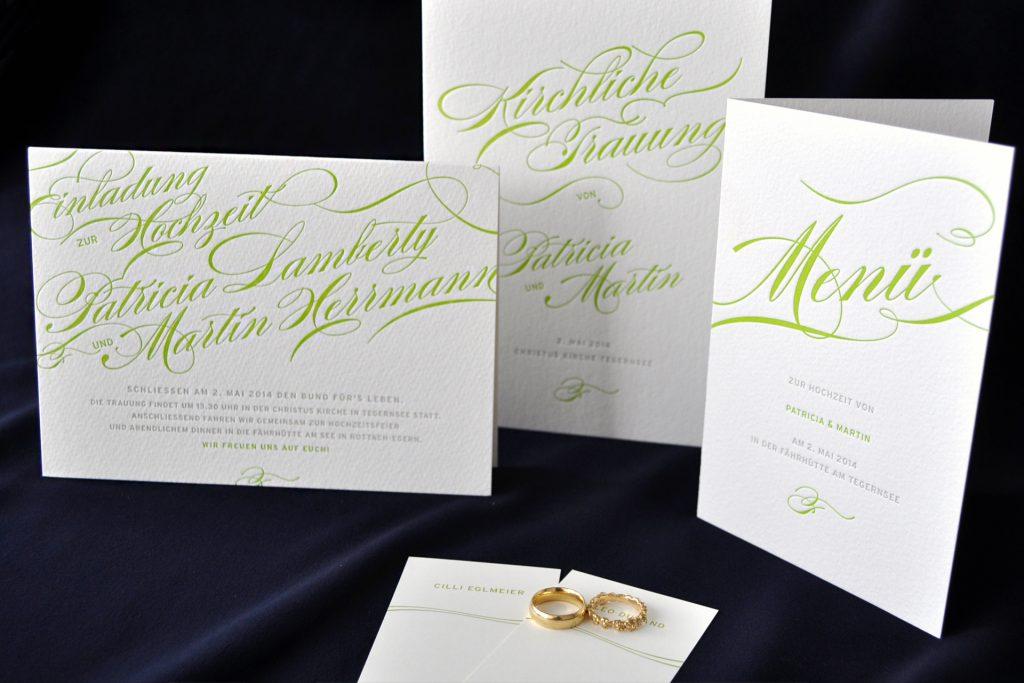 Loveletter Hochzeitseinladungen im Letterpress - eine stilvolle Einladung mit Menü und Kirchenprogramm zur Hochzeit