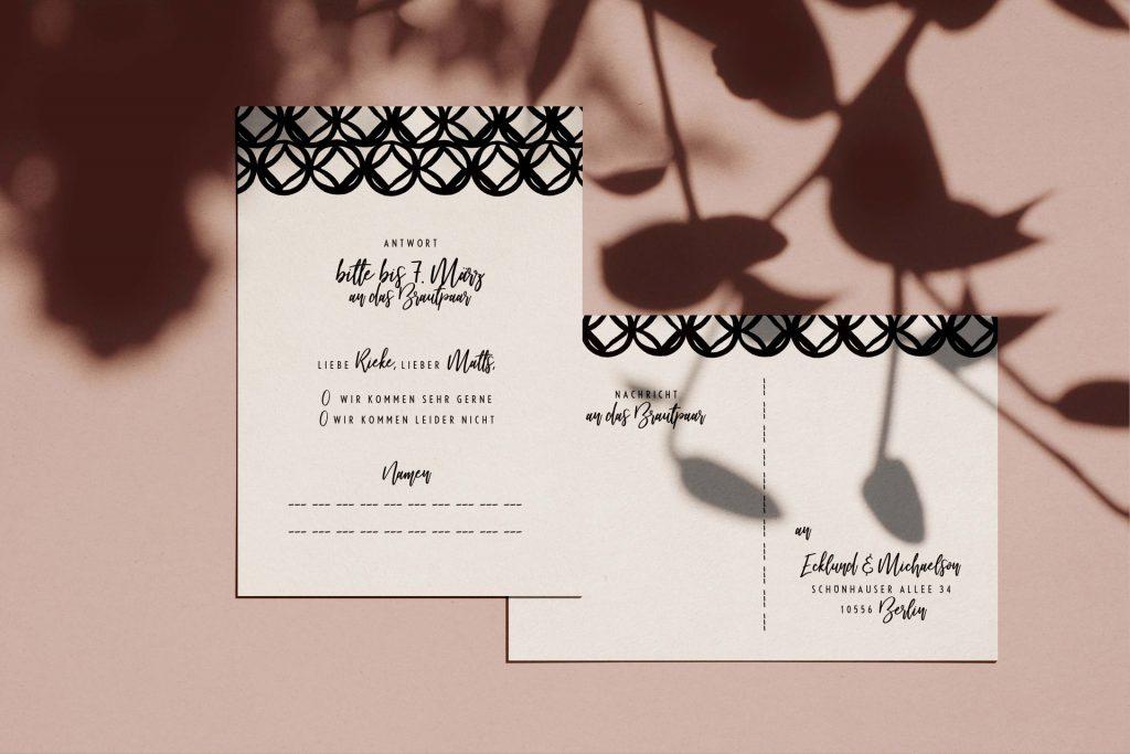 Moderne Hochzeitskarten mit Antwortkarten.