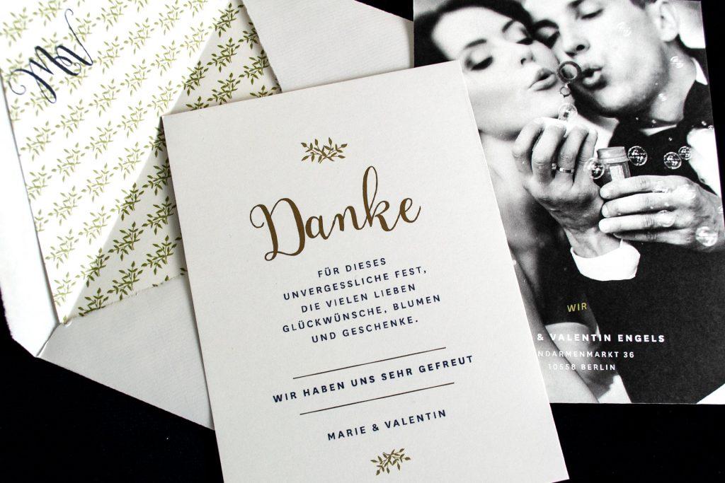 Dankeskarten mit Einladungskarten mit Gold, Dankeskarte im Design Mulberry Gold von Honeybird.