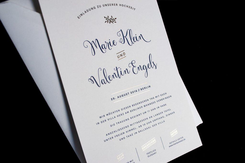 Einladungskarten mit Gold, Mulberry Gold, schicke Hochzeitseinladung mit goldenen Elementen