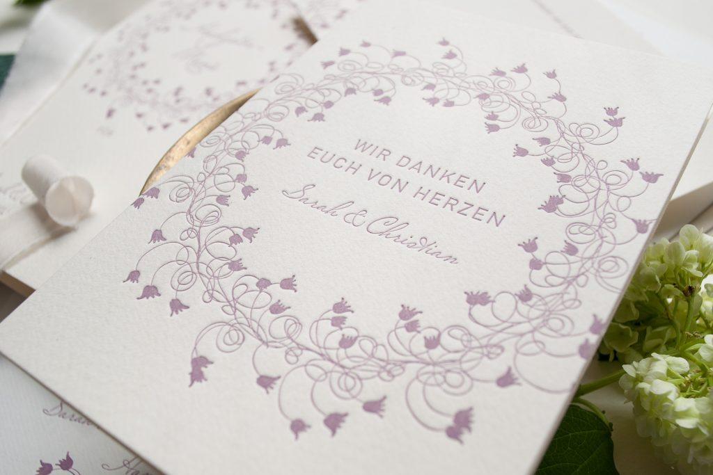 Ein Blumenkranz zu Midsommer - im letterpress, Hochzeitspapeterie von HONEYBIRD