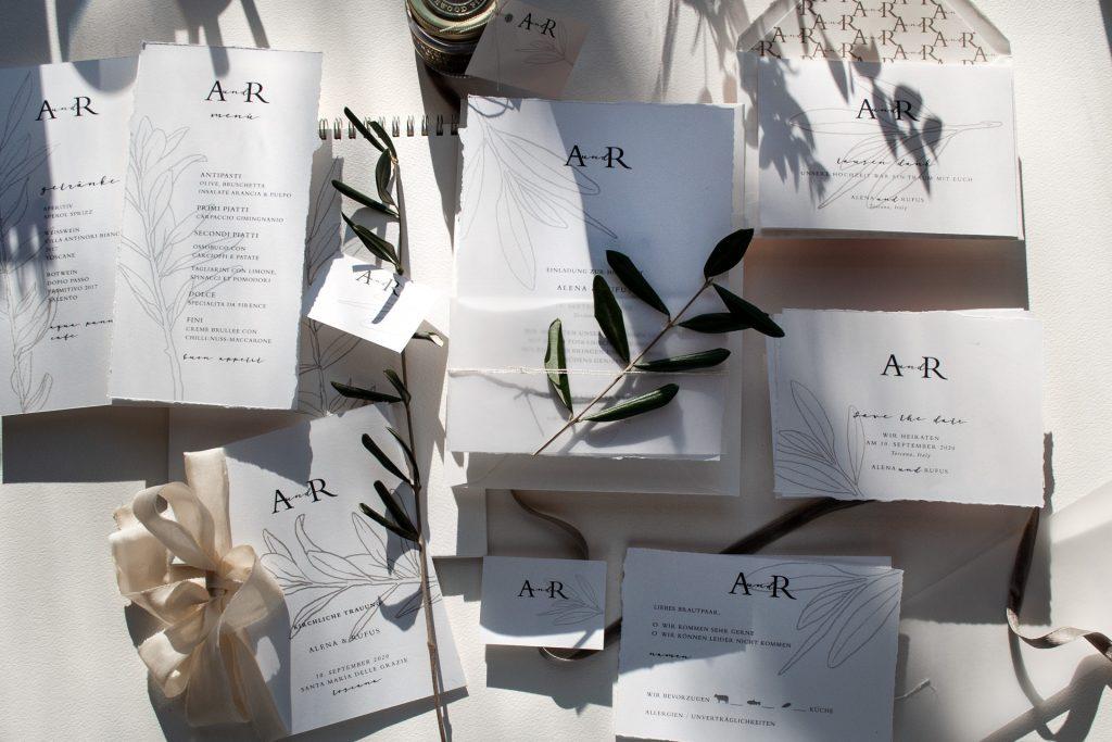 Toskanische Hochzeit mit Einldungskarten von Honeybird fine letterpress cards