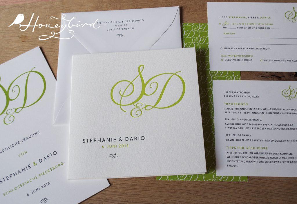 Monogramm in hellgrün, Einladung zur Hochzeit.
